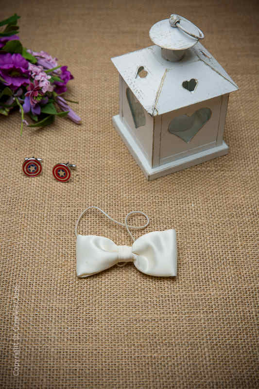 Boys Ivory Elasticated Satin Dickie Bow