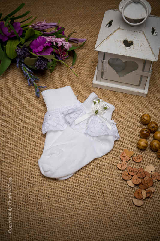 Girls White Lace Ankle Socks with White Flower Cluster